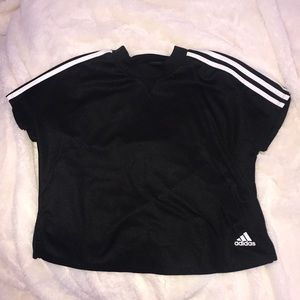Adidas crop fitness tee size s